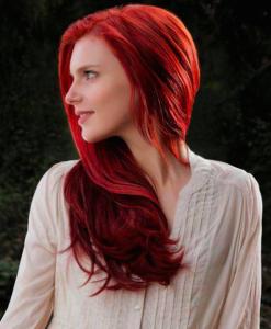 El medio barato para el refuerzo de los cabello