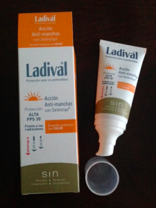 ladival anti-manchas color FPS 30